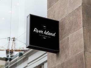 insegna-logo-river-island_bryan-calderoni